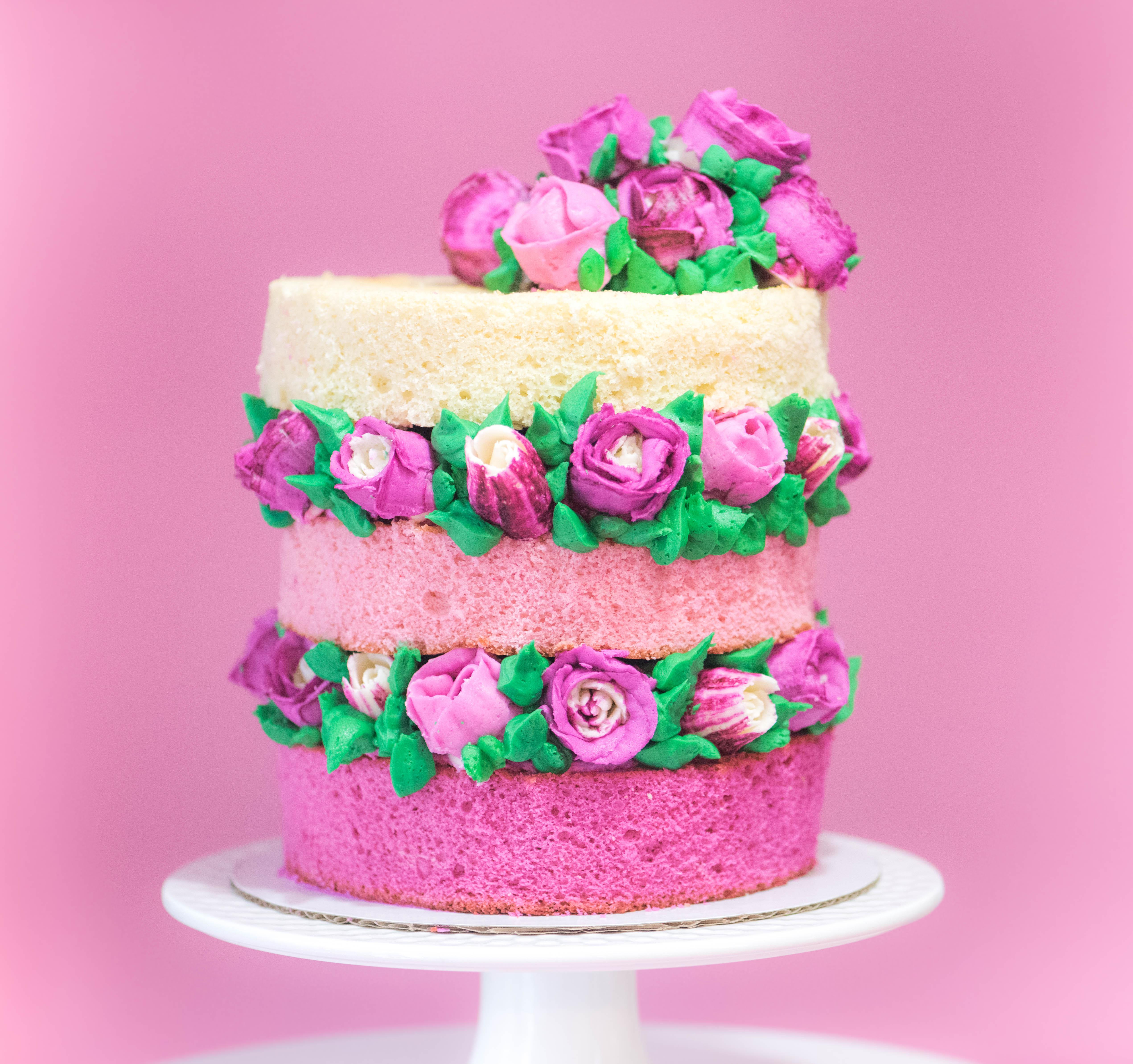 10 Amazing Valentines Cake Ideas